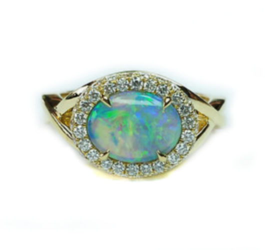 18kt yellow gold opal & diamond ring