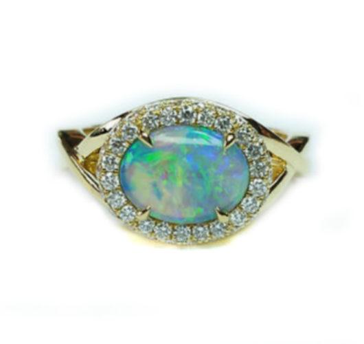 18kt yellow gold opal & diamond ring